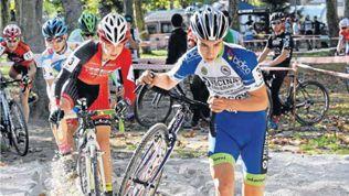 Campeonato de España de ciclo cross en Muskiz (DEIA)