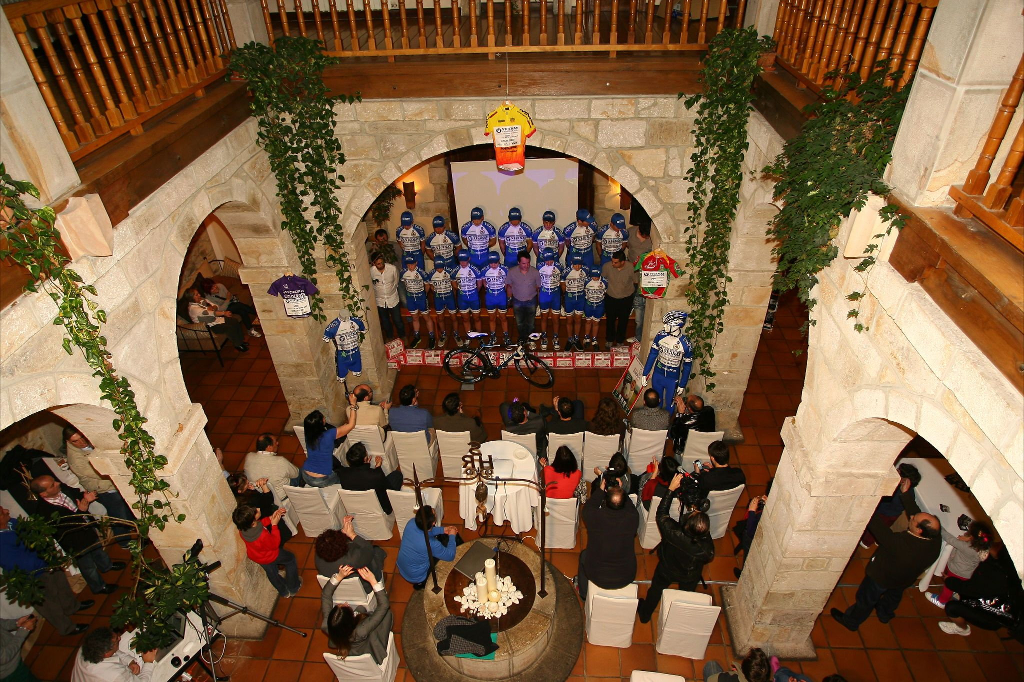 Presentación equipo VICINAY CADENAS-A.D Enkarterri 2013